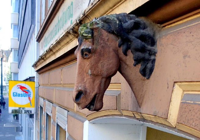 Horsehead Brunnenstr. 27 right