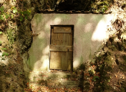 grotto door near deilbach